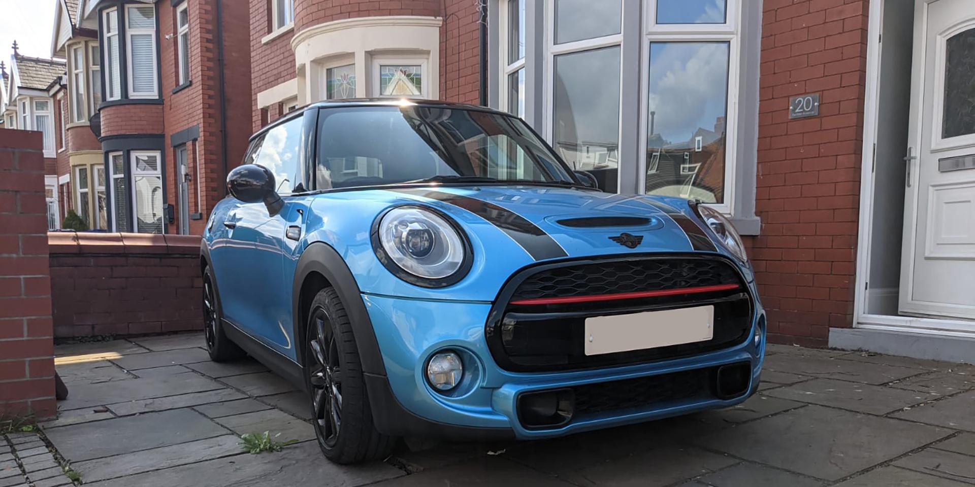Subtle vehicle graphics & trim on a Mini Cooper
